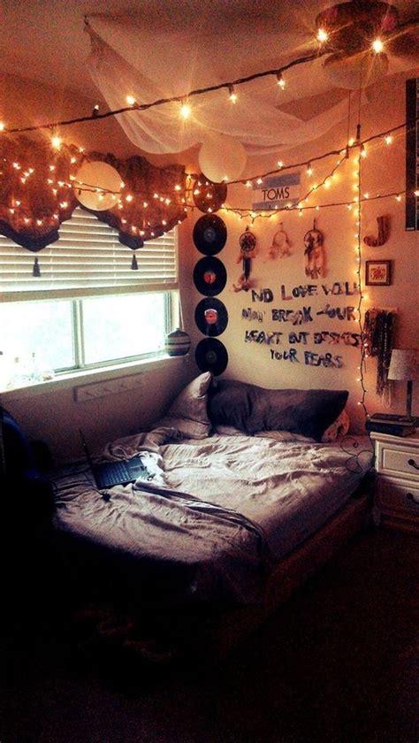 restful  comfy bedrooms  grunge style