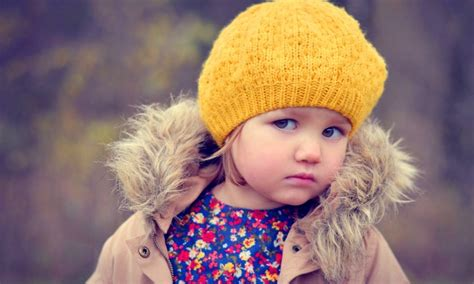 cute child cute girl look crossing wallpapers 800x480 127854