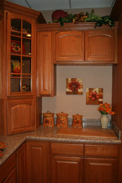 oak kitchen cabinet cinnamon oak kitchen cabinets quicua com