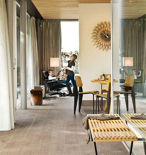 Laminate Wood Flooring In Living Room by Laminate Flooring Pictures Living Rooms Laminate Flooring