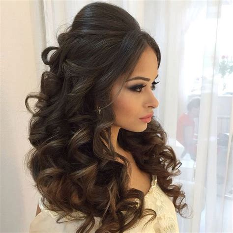 Hair Styles With The Back Hair Bumped Under And Top Hair Short | pump up the volume wedding hair loose curls bump and crown