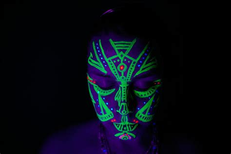 glow in the paint melbourne set of 8 uv paint festival neon