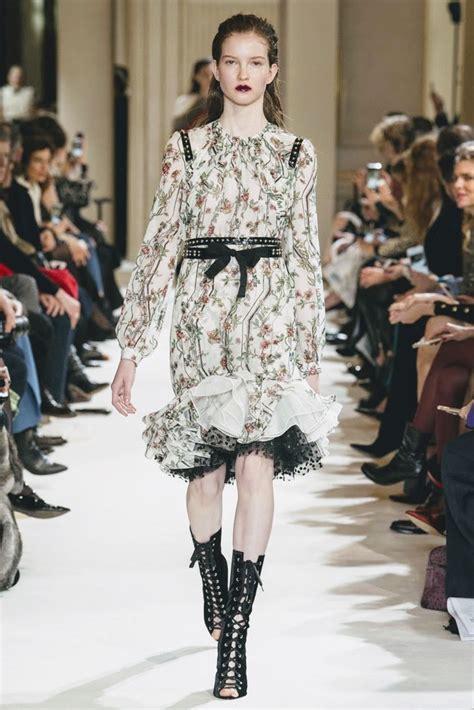 Fashion Week Giambattista Valli Valentino by Runway Giambattista Valli Fall 2017 Fashion Week