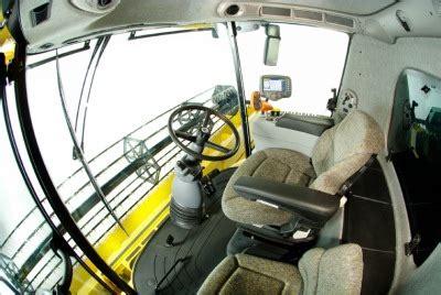 New Holland Clayson Puimureiden Teknisi 228 Tietoja