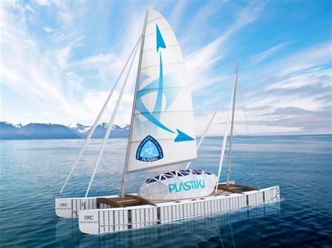 un barco hecho de botellas de plastico barco hecho con 16 000 botellas de pl 225 stico cruzara en