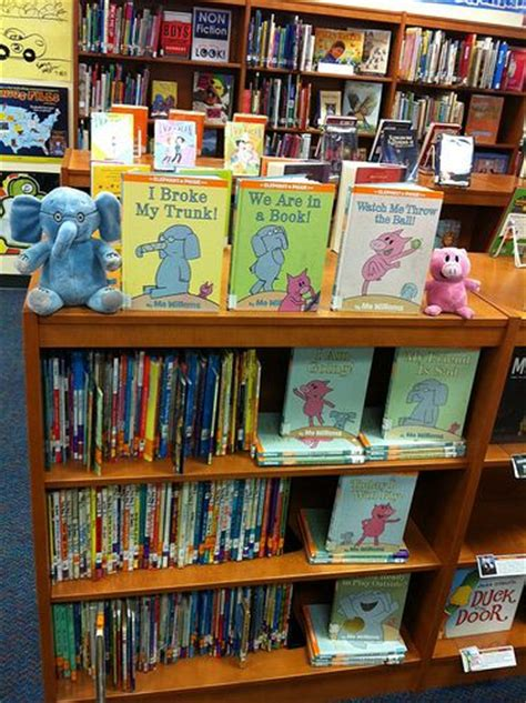 book themes elementary 282 best library decor organization images on pinterest