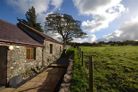 Coastal Cottage Holidays by Ysgubor Snowdonia Self Catering Cottage