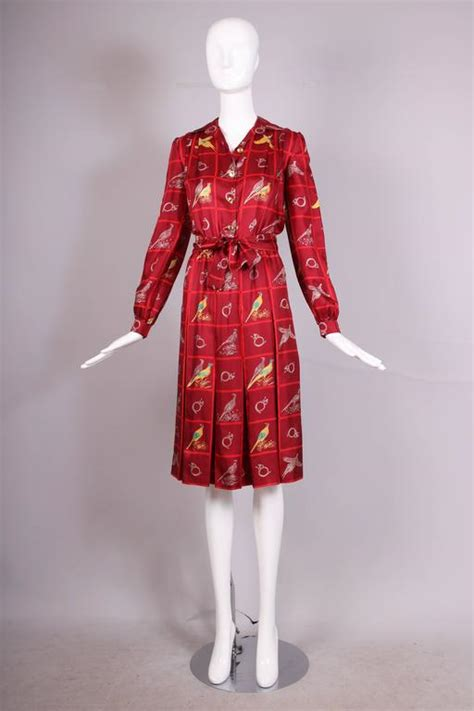 vintage gucci burgundy silk pleated dress w pheasant and horn print for sale at 1stdibs