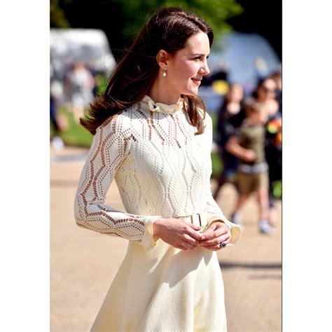 the designer of princess kate s favorite pearl earrings kate middleton s favorite jewelry designer on the duchess