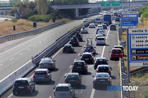 uscite autostrada dei fiori coda in autostrada 21 km tra udine e palmanova