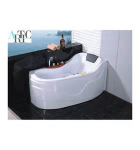 ithaki whirlpool tub right corner designer bathroom