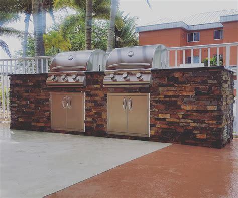 outdoor kitchen builder quot dueling grills quot custom outdoor kitchen build