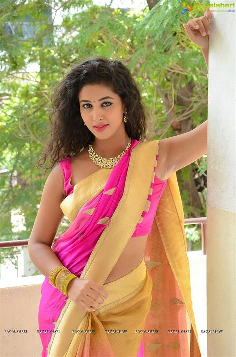 desi armpits show by actress in saree hairy sweaty armpits armpit actress photo pavani spicy pics in saree showing
