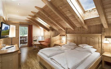 sofa rustikal modern athos couchtisch wilde eiche gelt roomido