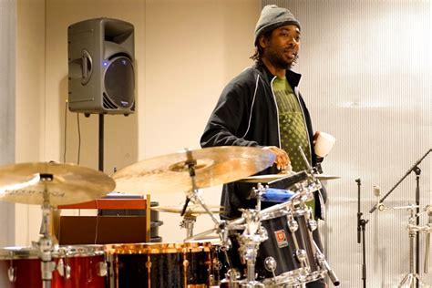 snarky puppy drummer oefenen oefenen oefenen jazzenzo