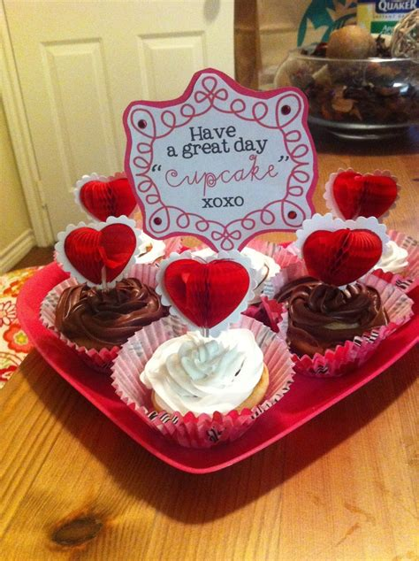 work valentines day ideas valentines cupcakes for him to take along to work 14