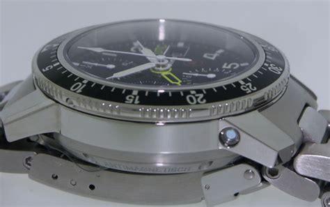 Swiss Army Sa 2235 Gold White Ceramic automatic chronograph utc 103 st sa ar utc pre owned mens watches