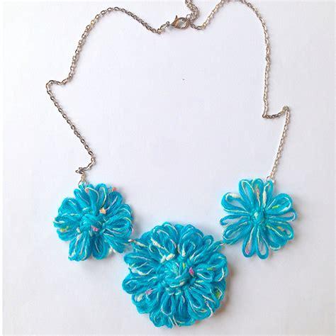 collane con fiori collana regolabile con fiori azzurri e m 233 lange fatta a