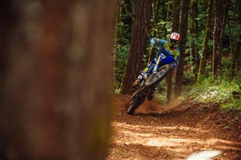 how to wheelie a motocross bike how to do a wheelie on a dirt bike motosport