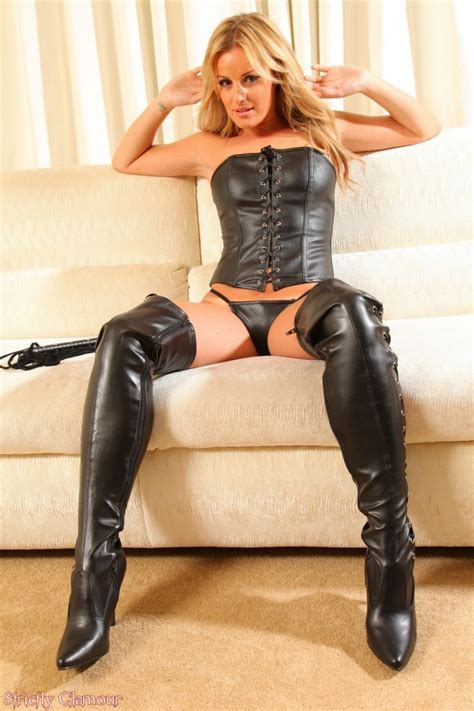 Amy Green Hot Mistress In Leather