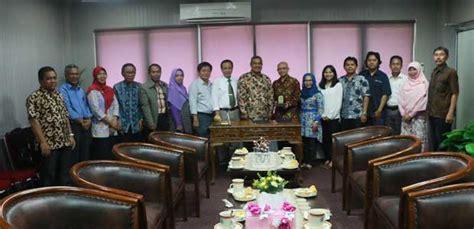 Herba Penawar Alwahida Indonesia Hpai Squa Squalene esri indonesia hibahkan perangkat lunak ke unmul 171 bukhari