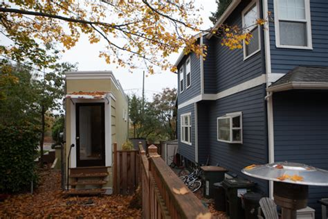 Spite House Boston by 9 Famous Spite Houses Built To Annoy The Neighbors