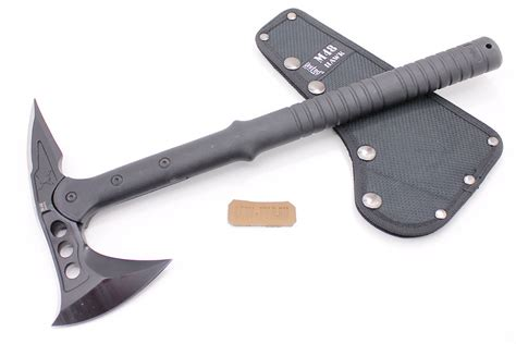 modern knives weapons modern soldiers carry axes instead of combat
