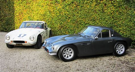 tvr magazine these two tvr griffith 200s could not be more different
