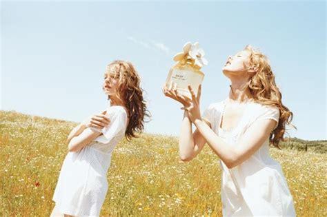 marc jacobs daisy eau fragrance campaign  juergen teller