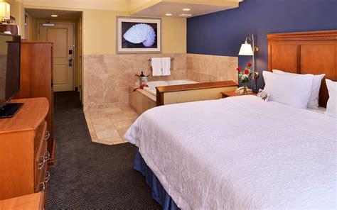 futon king virginia beach hton inn accommodations hotels in virginia beach va