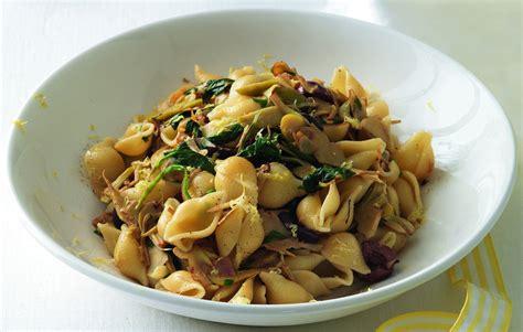 spinaci cucinare ricetta pasta con carciofi e spinaci la cucina italiana