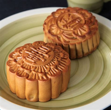 new year food mooncakes mooncake new year 28 images large mooncake readied for