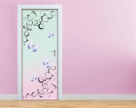 adesivi murali per porte farfalle su fondo chiaro decori adesivo per porte