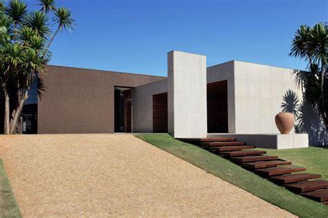 om house design by studio guilherme torres architecture