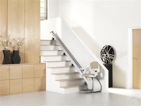 sedia elettrica per salire le scale sedie mobili per scale soluzioni elettriche disabili e