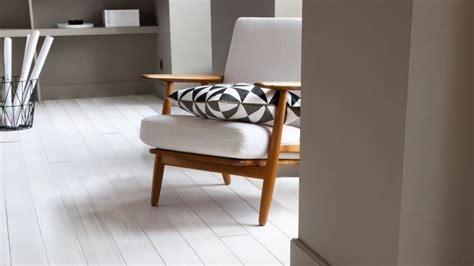 Poudre Blanche Sur Les Murs by Mur Blanc Ou En Couleur Comment R 233 Veiller Votre