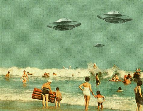 retro beach beach ufo gif find share on giphy