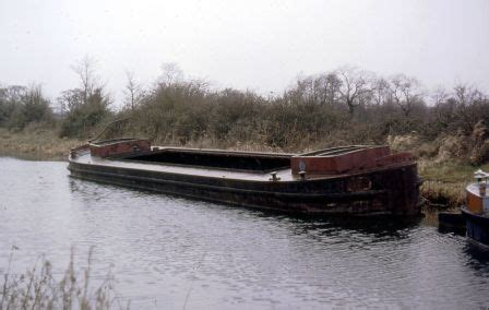 dinny boat heritageboatassociation ie 67m seano gcc canal boat