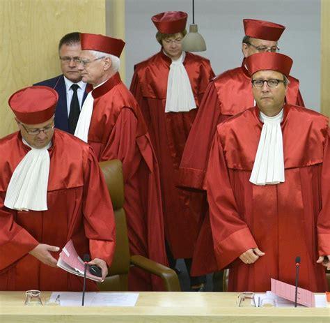 bundesverfassungsgericht robe rettungsschirm die welt atmet auf nach dem urteil