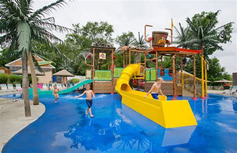 theme park for toddlers 11 amusement parks for kids and toddlers family vacation