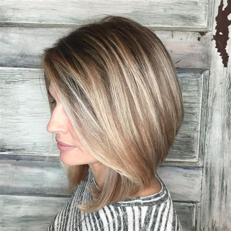 whats a good style for a dirty blonde twelve year old who is not skinny but not fat 14 dirty blonde hair color ideas and styles with highlights