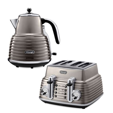 Different Types Of Toasters De Longhi Scultura 4 Slice Toaster And Kettle Bundle