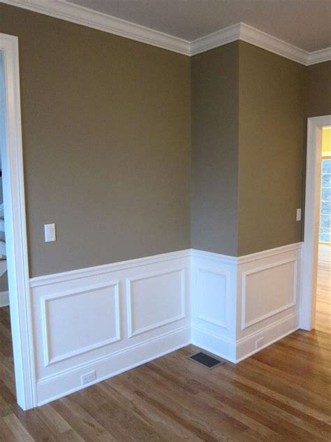 Baseboard For Wainscoting by 1000 Ideas About Wainscoting Dining Rooms On