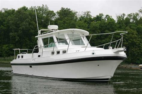 private fishing boat jobs tha albin 30 aft cabin family cruiser is small for the job