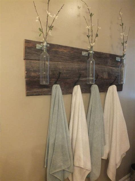 bathroom towel hook ideas muebles de palets para cuarto de ba 241 o cafeter 237 a towels pallets and bath