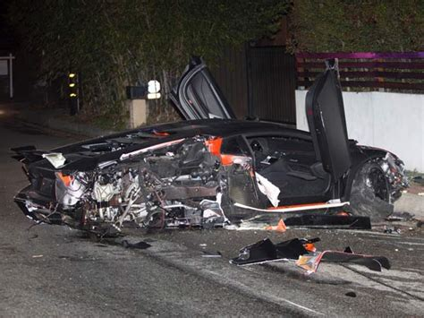 Lamborghini Aventador Crash Chris Brown S Lamborghini Aventador Crashed Drivespark
