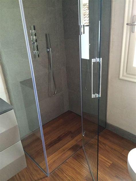 cristalli doccia su misura box doccia battente linea quadro con vetro quadrato su misura