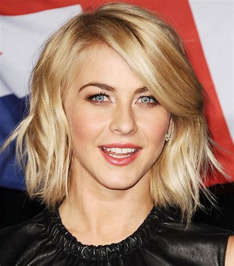 juliannehough curly bob julianne hough s slightly wavy bob life goals pinterest