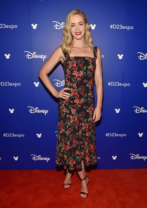 emily blunt s changing looks instyle com emily blunt disney s d23 expo 2017 in anaheim 07 15 2017