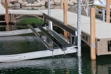 pontoon lift pontoon lifts lift options shorestation 174